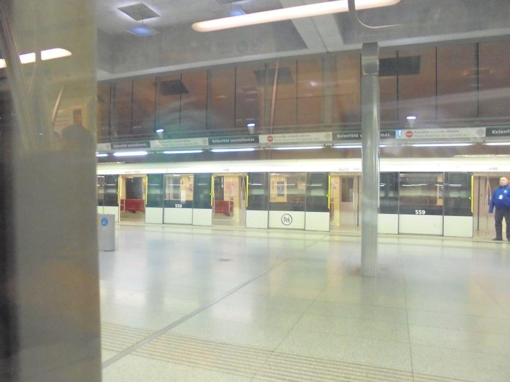 20170415_004_kelenfold_metro.JPG