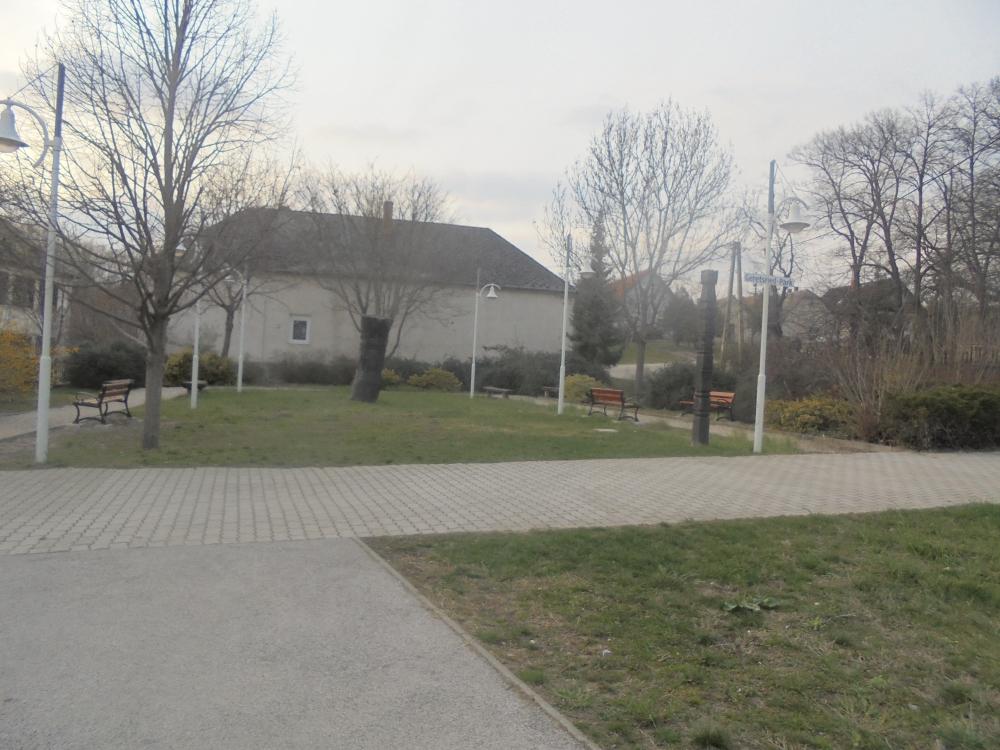 20200325_111_pusztavam_park.JPG
