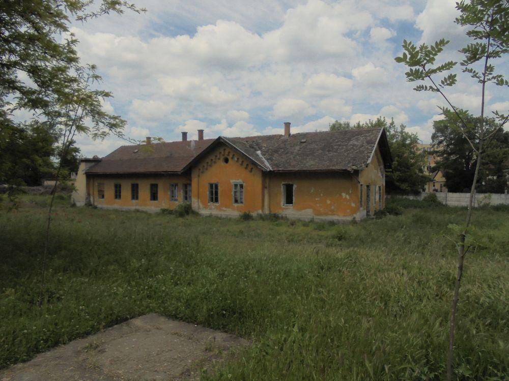 20170529_65_szolnok_regi_vasuti_epulet.JPG
