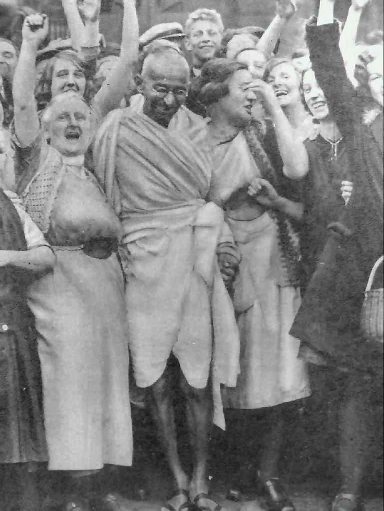 Gandhi_at_Darwen_with_women.jpg