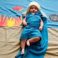 Kreatív képsorozat egy kisbabáról - sorozatfüggőknek!