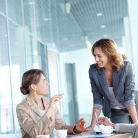 6 tipp, hogyan kezeld, ha főnököd fiatalabb nálad