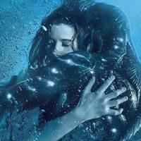 Szerelmeskedés egy nem emberi lénnyel. | A víz érintése kritika