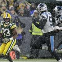 A Panthers nem tudta lelassítani a Packers futójátékát