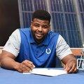 A Colts 30 millió dollárért szerződtette a Giants korábbi védőfalemberét
