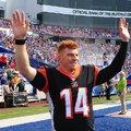 A Bills szurkolók állva tapsoltak Andy Dalton-nak