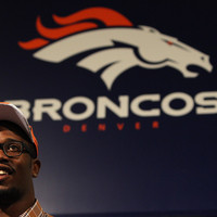 A Broncos szerződtette Von Millert (videóval)