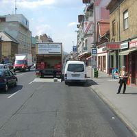 Buszmegálló az Árpád úton