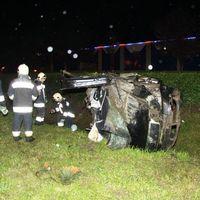 Ma hajnalban kettészakadt egy Skoda Székesfehérváron - a sofőr túlélte!