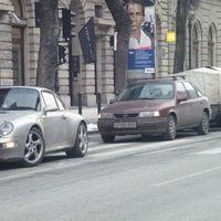 Parkolás a zebrán