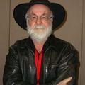 Elhunyt Terry Pratchett