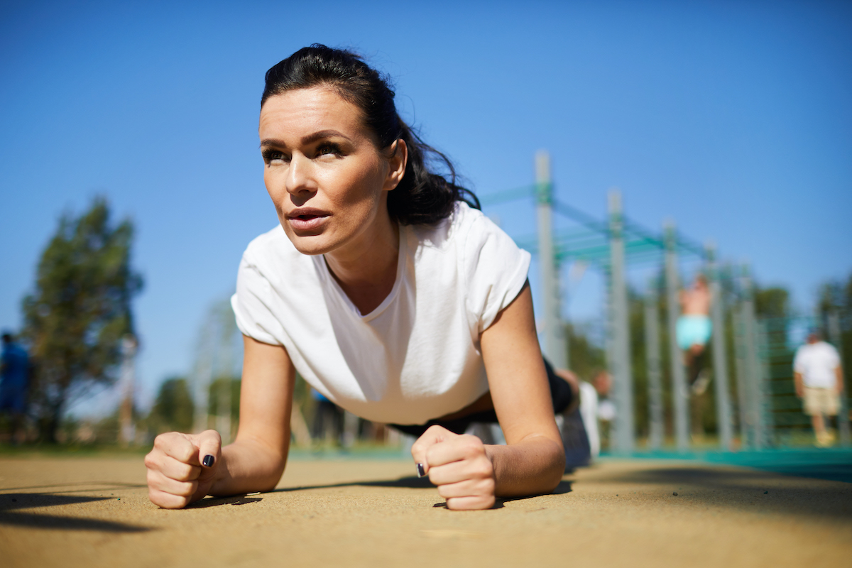 athletic-woman-concentrated-on-exercise-sr52zk7.jpg