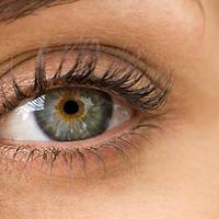 Mit tegyünk a karikás szem és a táskás szem ellen?