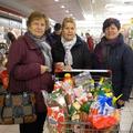 a Családok Éve alkalmából 4 család húsvéti nagybevásárlását intéztük.