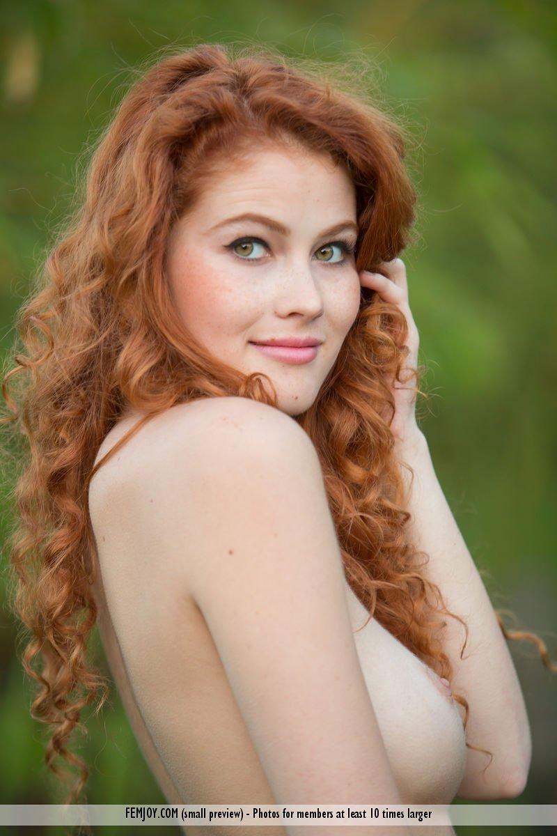 heidi-romanova-in-extremely-attractive-by-femjoy-04.jpg