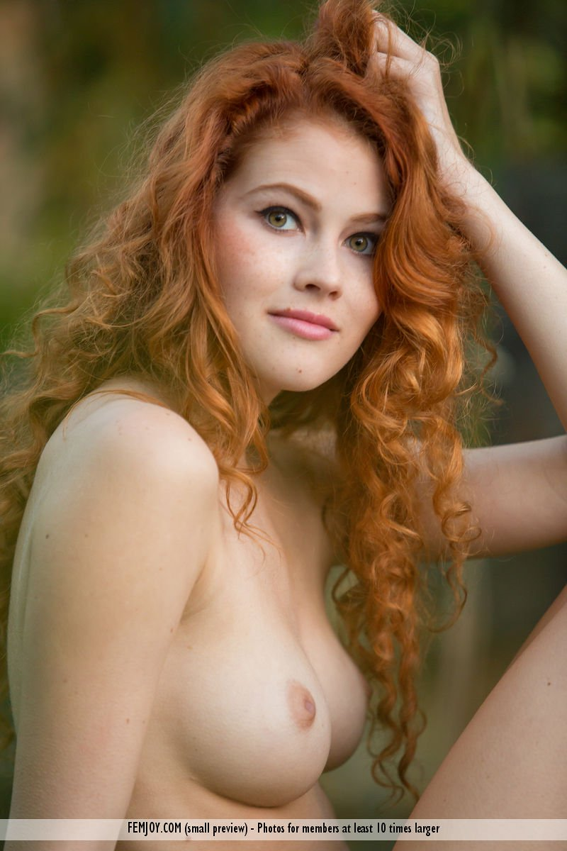 heidi-romanova-in-extremely-attractive-by-femjoy-11.jpg