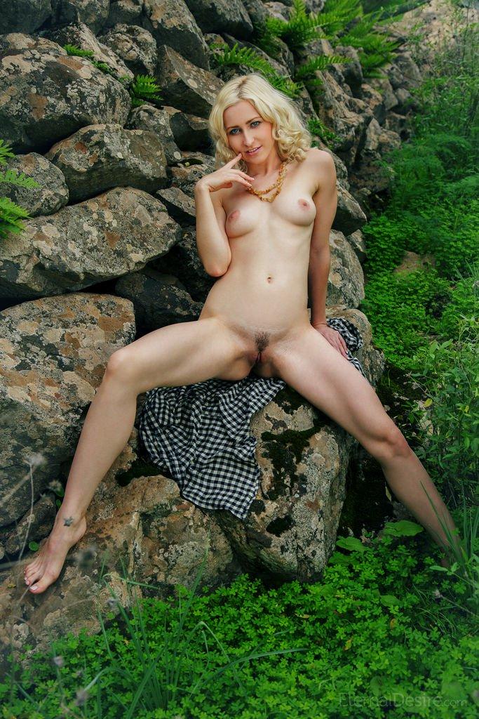 janelle-b-in-acosta-by-eternal-desire-07.jpg