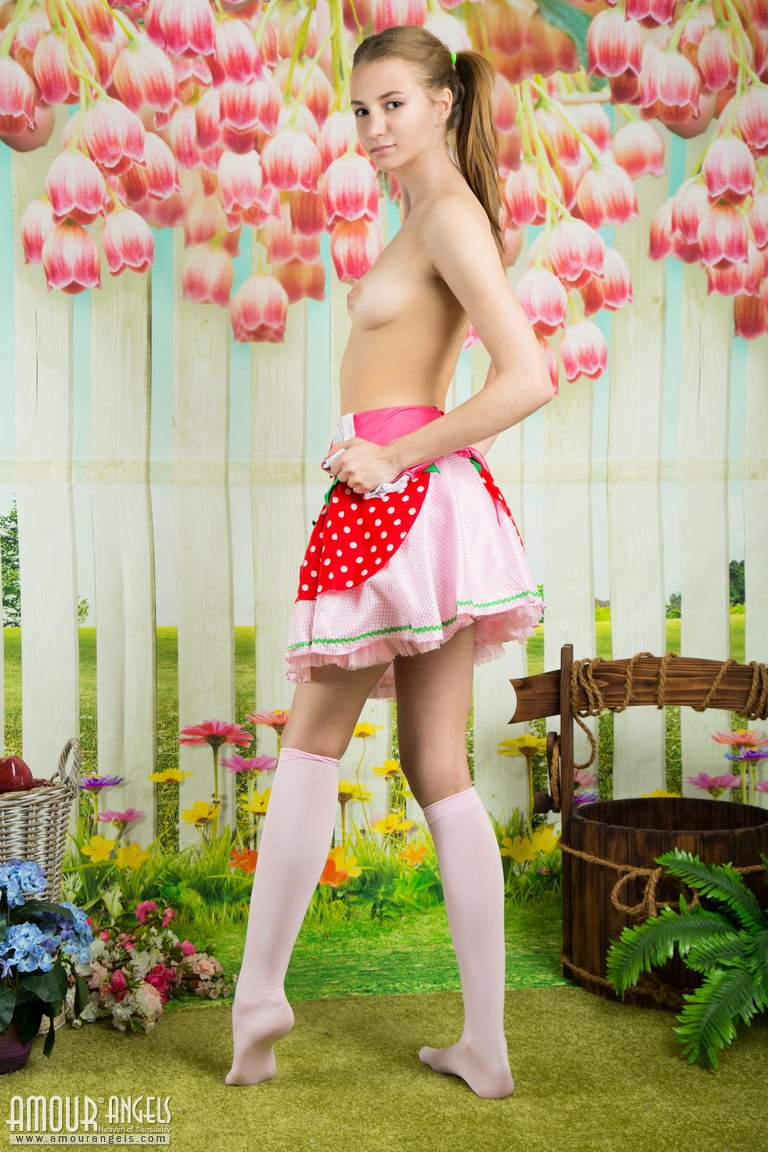 presenting-princess-by-amour-angels-04.jpg
