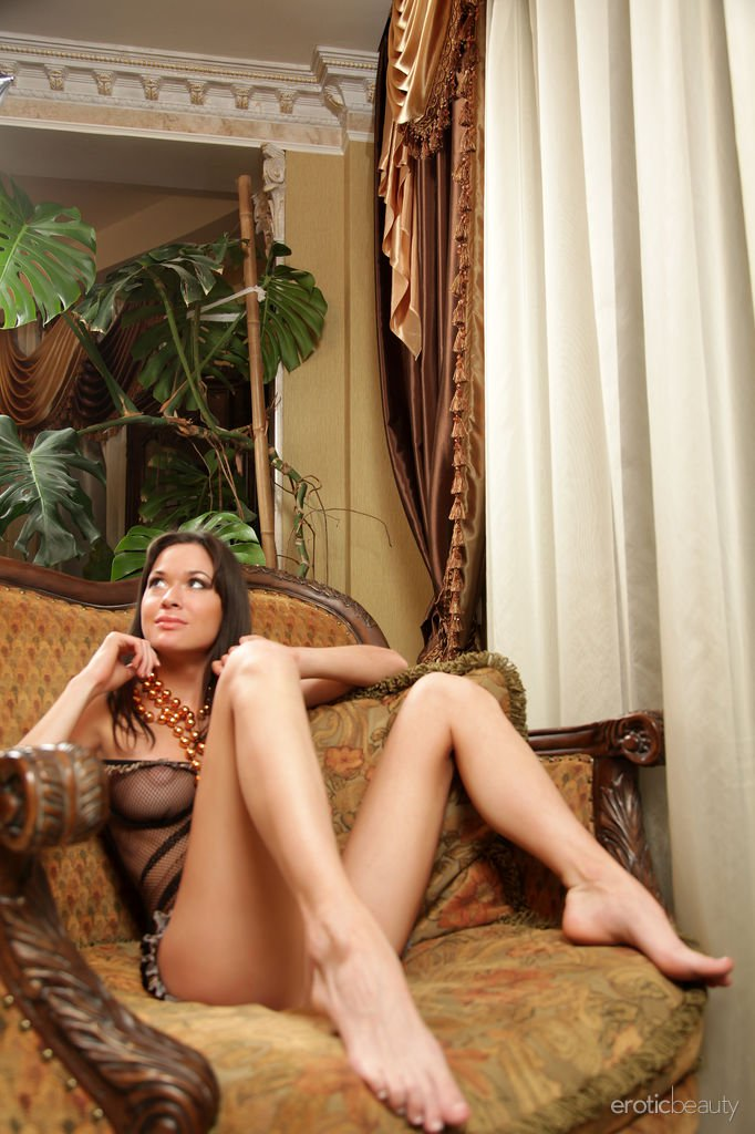 nansy-a-in-being-sexy-by-erotic-beauty-03.jpg