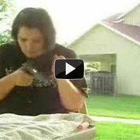 A férjed fegyverével óvatosan bánj!!! :)