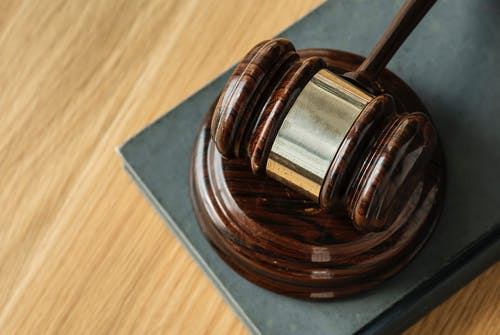 Szórakoztató bírósági ügyek