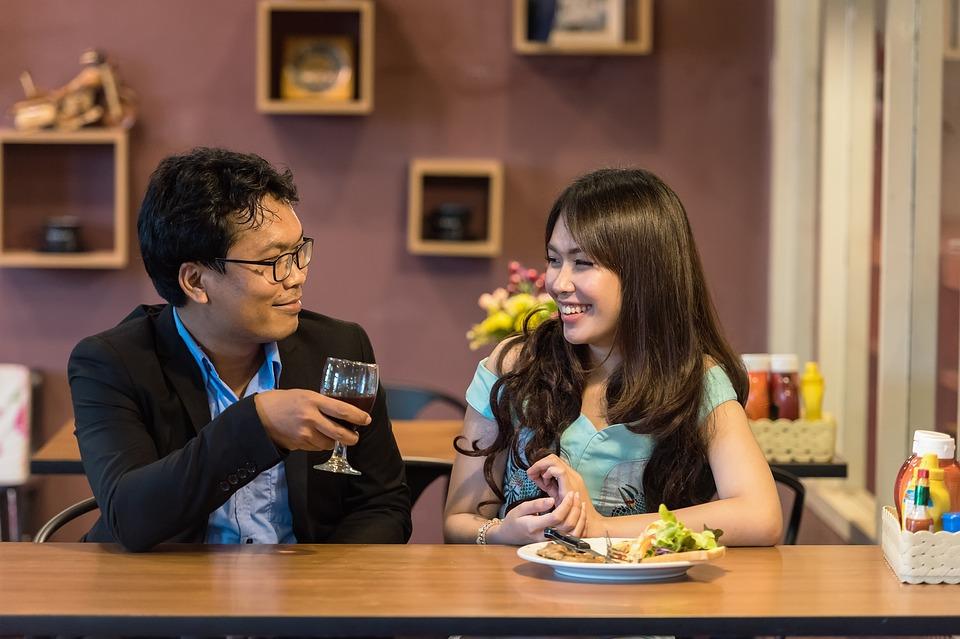 restaurant-1807617_960_720.jpg