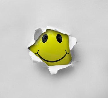 smiley-2055680_340.jpg