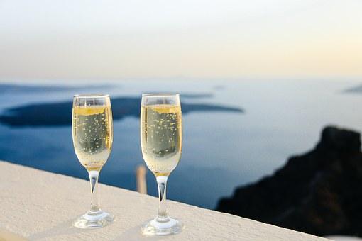 sparkling-wine-1030754_340.jpg