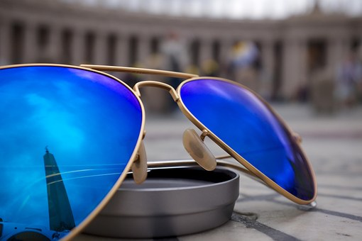 sunglasses-926791_340.jpg