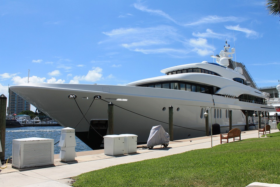 Különleges jachtok az óceánon