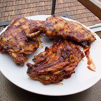 Grillezett csirkecomb vs. barbecue