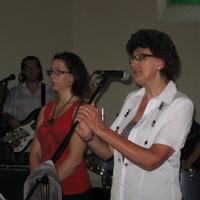 Fotók: lelkészi köszöntő és az Immánuel zenekar koncertje