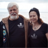 Támogatókat keressünk Kristóf Veronikának, a www.seashepherd.org.au magyarországi képviselőjének (www.seashepherd.hu), aki a nyolcadik Antarktiszi Bálnavédelmi kampányára készül