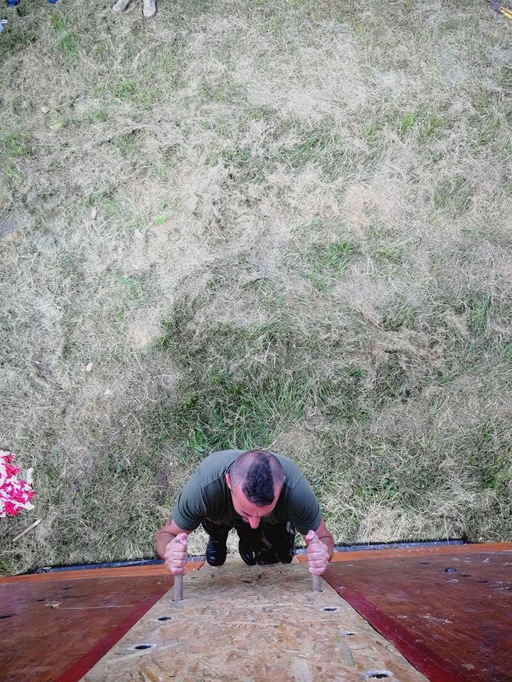 A cél előtt három méterrel még falat fogsz mászni. Tavaly legalább lefelé nem kellett szopni vele, most igen.