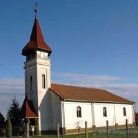 Miért nem kereszt áll a református templomok tornyán?