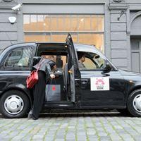 Karácsonyi másnapos taxi, avagy a hányingeres márkaépítés