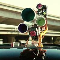 Street art: Ember és gép harmóniája!