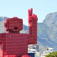 Eliot, a 20 méteres Coca – Cola szobor