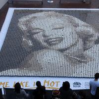 Kávézz világhírű hölgyekkel: Marilyn Monroe és Mona Lisa