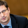 Nem kell a választásig küszködniük a Fidesz rossz nyugati sajtójával...