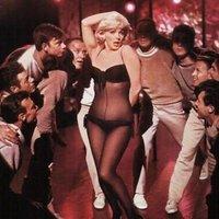 Amikor Marilyn Monroe megbondította Yves Montandot is :)