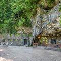 James Bond Villain hihetetlen fantáziája ebben a barlanglakás luxus-otthonban megvalósul