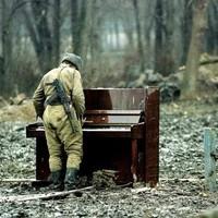 Pózolj pianinóval...