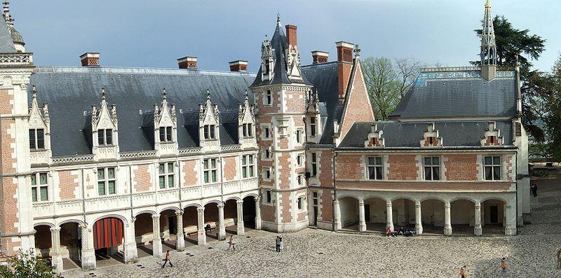 800px-Blois_LouisXII_interior.jpg