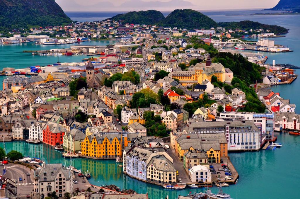 Town-of-Alesund-in-Norway-1024x679.jpg