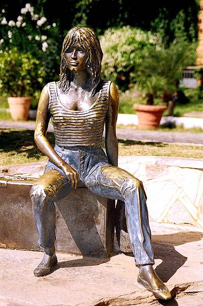 398px-Statue_of_Brigitte_Bardot_in_Rio_de_Janeiro.jpg