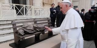 """Képtalálat a következőre: """"Hajléktalan Jézus című szobor"""""""