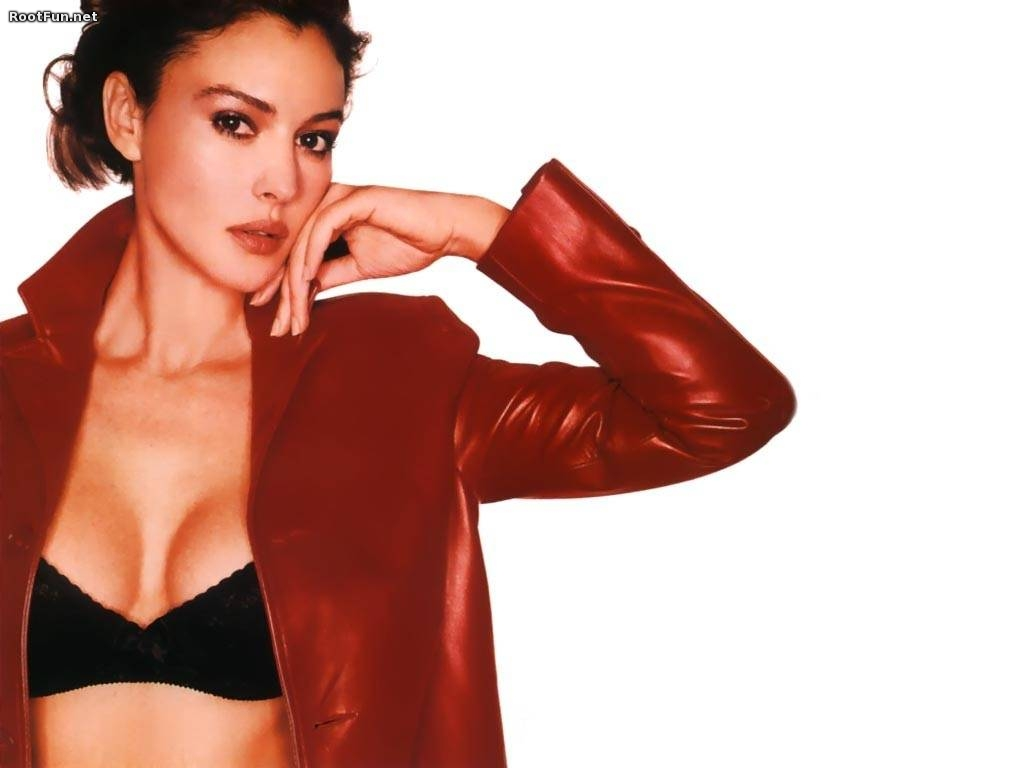 Monica-Bellucci-Movies-Wallpapers-1.jpg