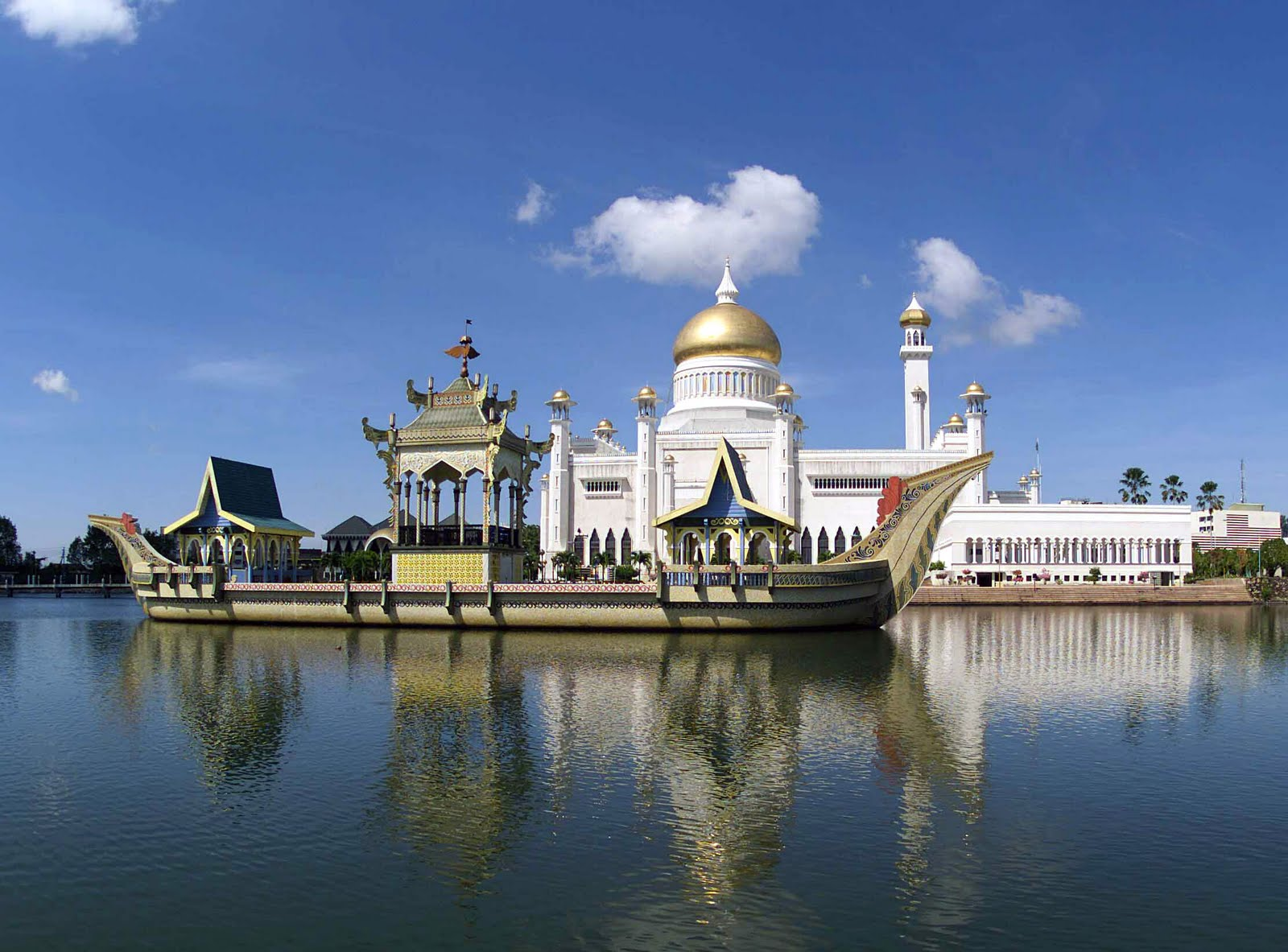 brunei - sultan omar ali saifuddin mosque.jpg
