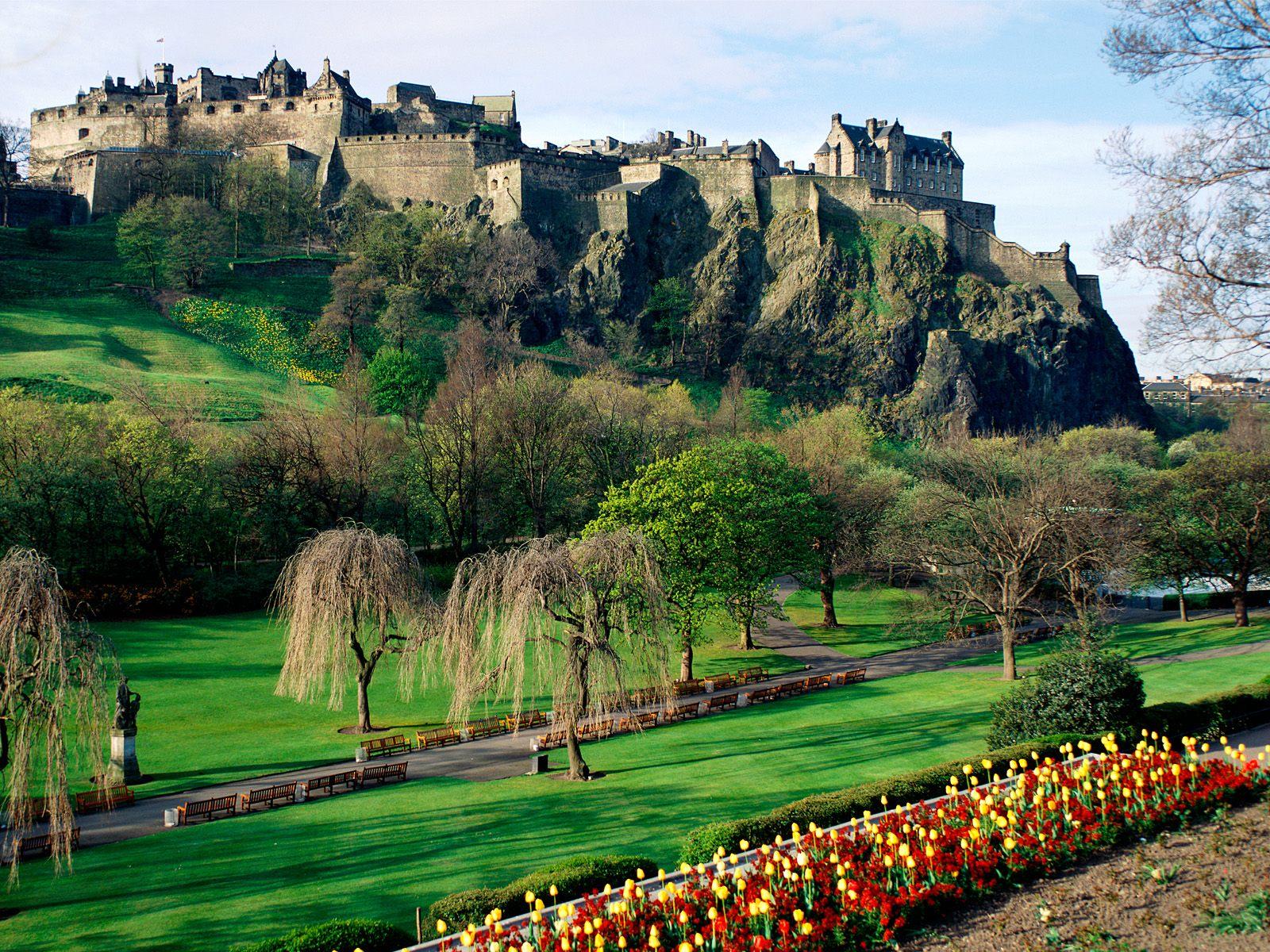 edinburgh castle edinburgh scotland.jpg